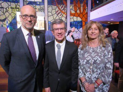 Entrega Premio Javer Olam a Joaquín Lavín